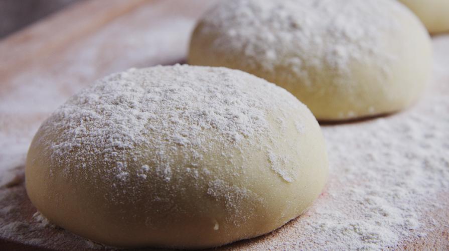 Come fare la pasta della pizza: consigli e trucchetti utili